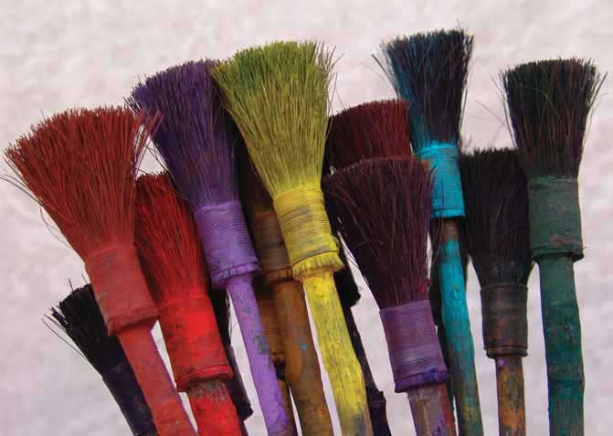 Brushes made of horse hair and rose branches are used for marbling.